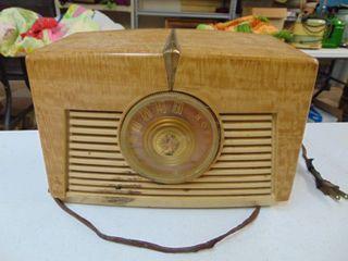RCA Victor Tube Radio   Untested