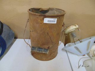 Metal Bucket with Hardware