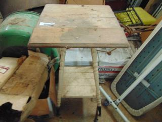 Small Table   Needs TlC