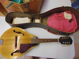 Ariana mandolin