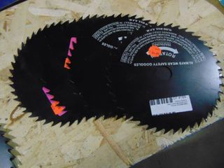 4 Saw Blades 8   New and Unused