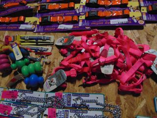 MISCEllANEOUS PET COllARS AND TOYS
