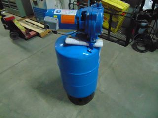 Goulds J05 Convertible Well Jet Pump with Tank