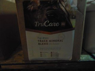 True Care Top Dress Trace Mineral Blend For Horses  12  35 Ounce Bags