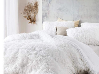 The Bare Himalayan Yeti   Coma Inducer Oversized Comforter   Pure White Shams not included