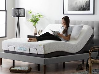 lucid l300 Adjustable Bed Base with Dual USB Charging Ports  Queen