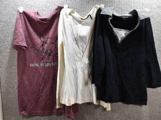 lot of 3 Womens Clothes   Daisy Fuentes Women s Shirt Size S  Croft   Barrow Women s Shirt Size S  Tnt Women s T Shirt Size S