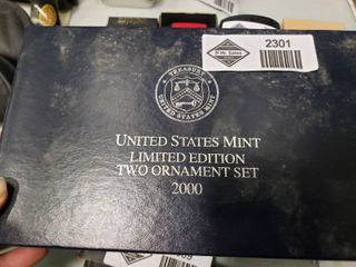 The United States Mint 2000 Special Edition Set of Two Ornaments