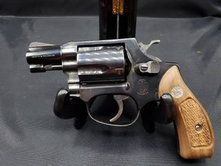Smith   Wesson Model 36 Classic 38 Special J Frame with Wood Grips