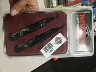 Winchester 2 Knife Wildlife Etched Set