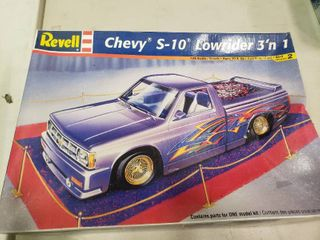 Revell Chevy S10 low Rider 3  n 1 Model Car