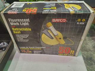 Florescent Work light with Retractable Reel