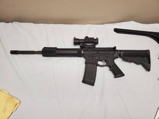 Colt light Carbine 5 56x45 NATO  223 Rem  with Free Floated Barrel and Red Field optic