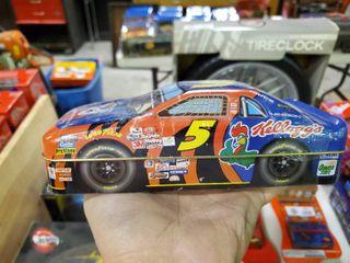 NASCAR  5 Terry labonte Collectible Tin