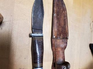Small Hunting Knife with leather Holster