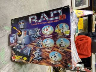 R A D  2 0 Radio Controlled Robot