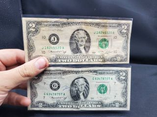 lot of 2   2 Dollars Bills