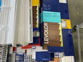 Pallet of Different Size Blinds  37 boxes