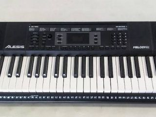 Alesis Melody 61 MKII 37  Keyboard   Plug Not Included  Did Not Work with Batteries
