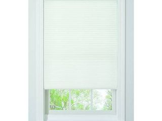 2  faux wood blind white 23 5 x24 h