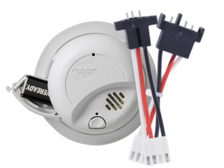 First Alert SA9120BPCN Hardwired 120 Volt AC Smoke Detector with Adapter Plugs