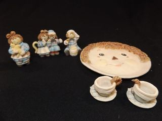 Raggedy Ann   Andy Tea Set
