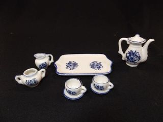 Blue   White Tea Set