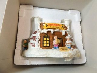 Santa s Town Gingerbread Bakery  in box