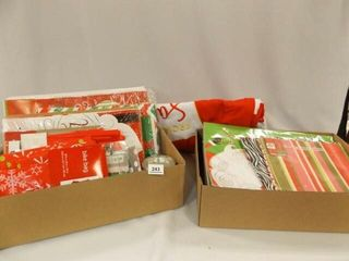 Christmas   Holiday Gift Bags  Boxes