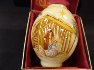 Ne Qwa Art Nativity Ornament  in box