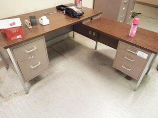 4 Metal Frame Desk   l Shaped