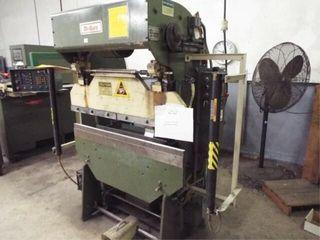 DI ACRO 17 Ton Press Brake w tools and roller cart