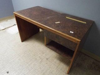 Wood Desk with 1 drawer