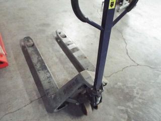 Wesco Hydraulic pallet jack 27  x 48