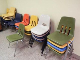 28 Plastic metal frame chairs