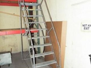 Wheel ladder with 10 steps