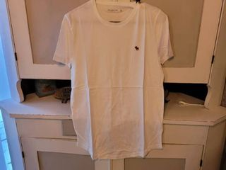 ABERCROMBIE   FITCH SOFT A F TEE SIZE S WHITE