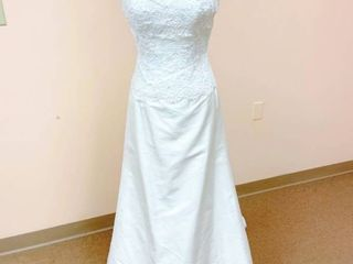 Paloma Blanca Size 10 Bridal Gown