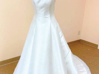 Victoria s Bridal Size 10 Ivory with Silver Detail Bridal Gown