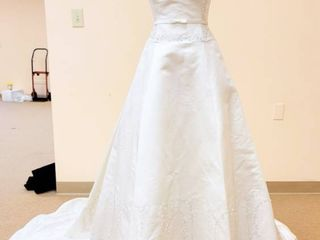 2BE Size 10 12 White Silk Bridal Gown