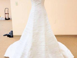 Pronovias Size 6 Ivory Bridal Gown
