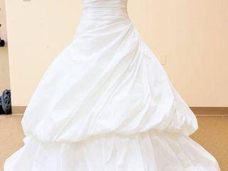Aire Designer size 12 Wedding Gown
