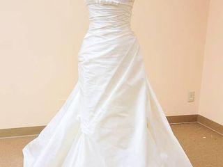 Pronovias size 12 Ivory Designer Gown