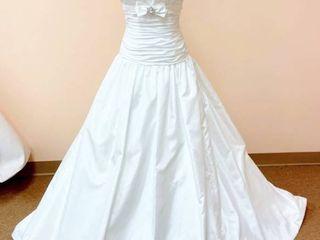 Mikaela s Bridal Size 10 Bridal Gown