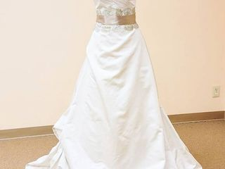 Paloma Blanca Size 10 Designer Gown Ivory Antique