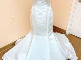 Casablanca Bridal Size 10 Designer Wedding Gown