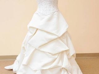Mikaella Size 10 Ivory Bridal Gown