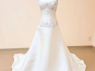Atelier Diagonal Size 12 Ivory Bridal Gown