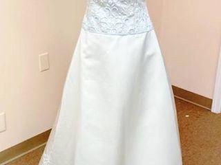 Demetrios size 10 Wedding Gown with Jeweled Bodice
