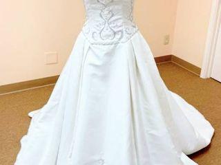 Victoria s Size 10 Designer Wedding Gown